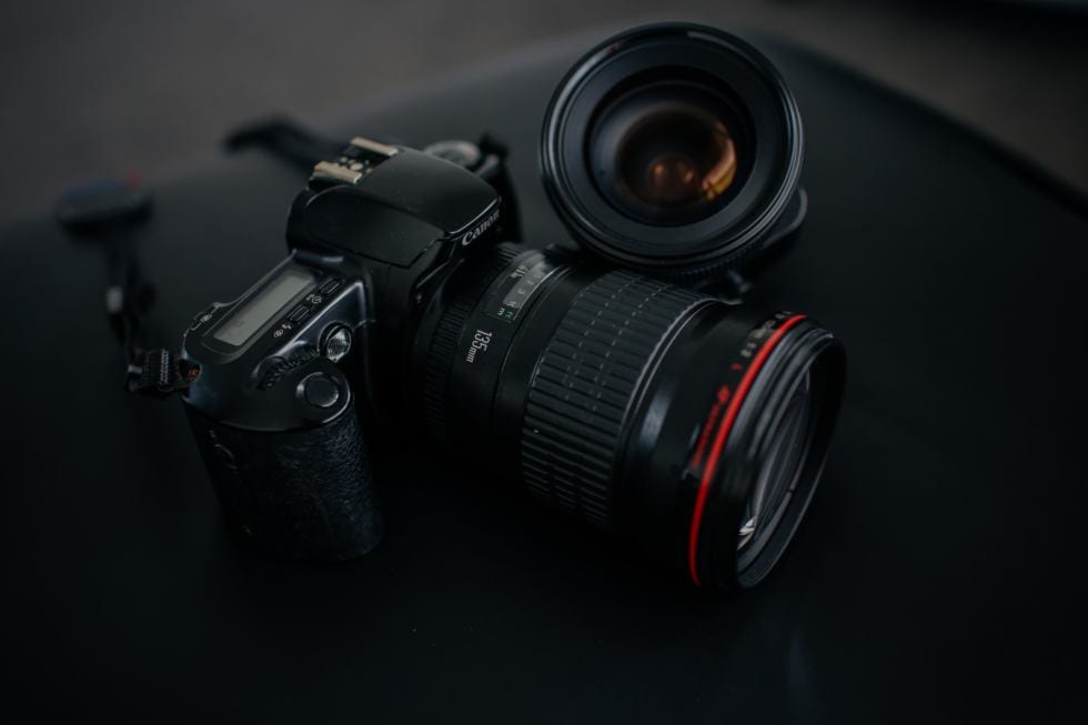 Canon-RF-300mm-f-2-8-500mm-f-4-f-r-2022-geplant
