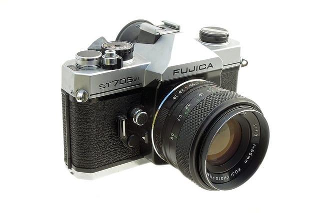 Fujica ST705w