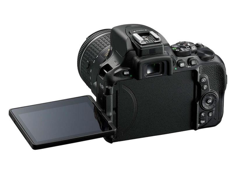 Das Display der Nikon D5600 lässt sich wieder kippen und drehen.