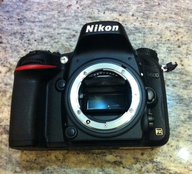 Nikon-D600-font