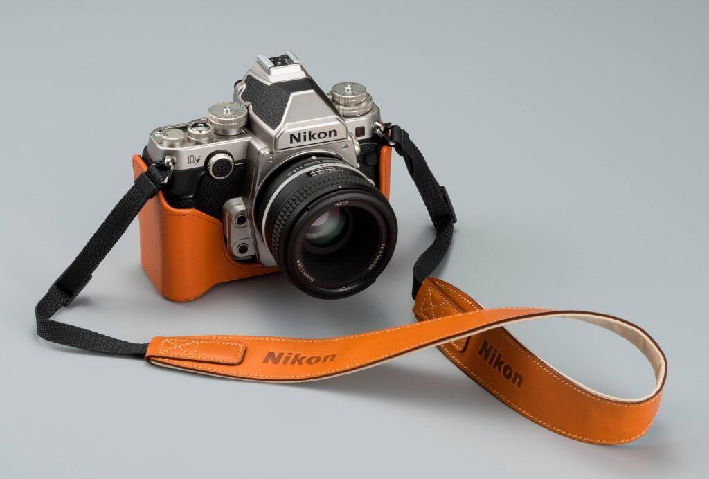 Im Jahr 2017 möchte Nikon Gerüchten zufolge eine Kamera im Stile der Nikon Df auf den Markt bringen