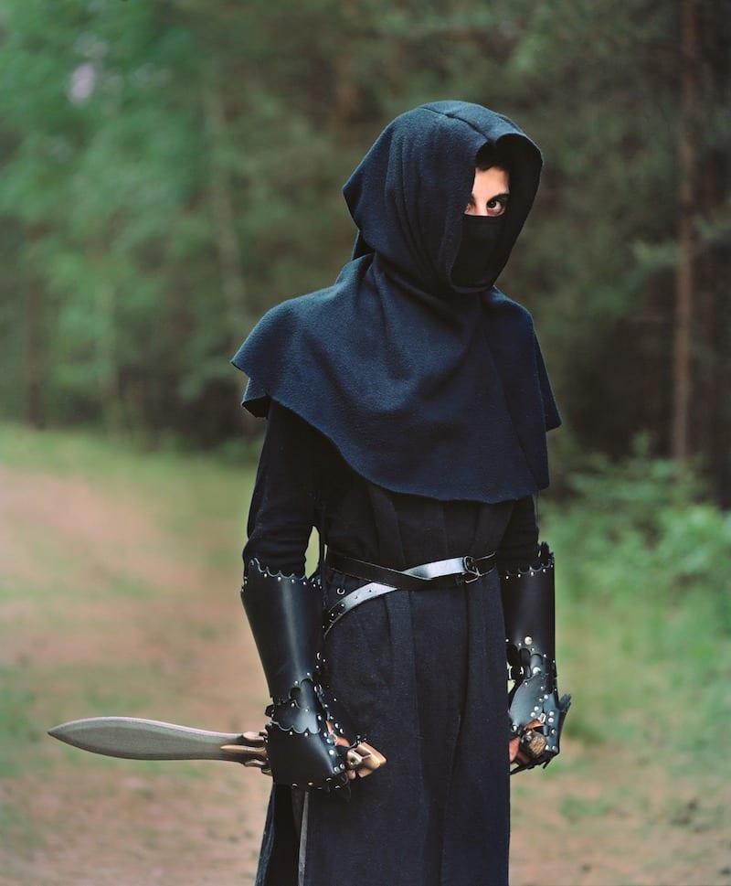 Patricia Kühfuss, Hannover, 25 Jahre, Deutscher Jugendfotopreis 2014 Aus der Serie: Intime-Outtime Titel: Portrait von Ibrahim, 16, als Assassin