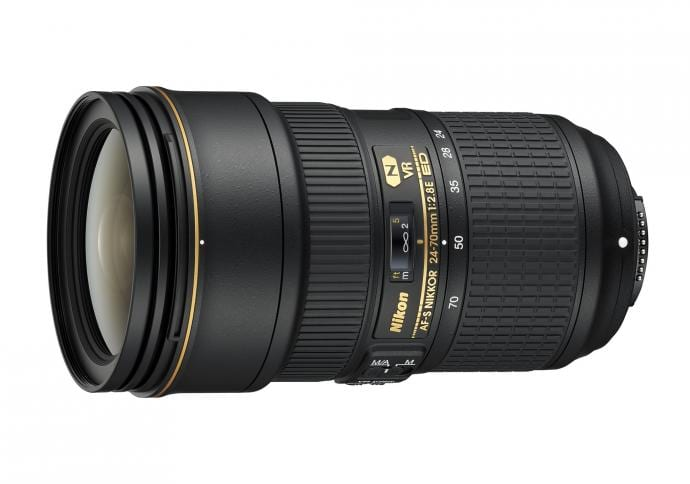 Nikon Objektiv 3
