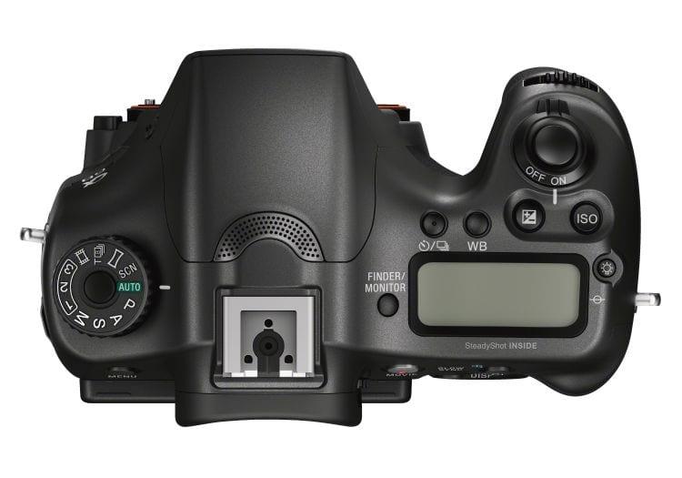 Auf der Oberseite der Sony A68 steht ein kleines Display zur Verfügung.