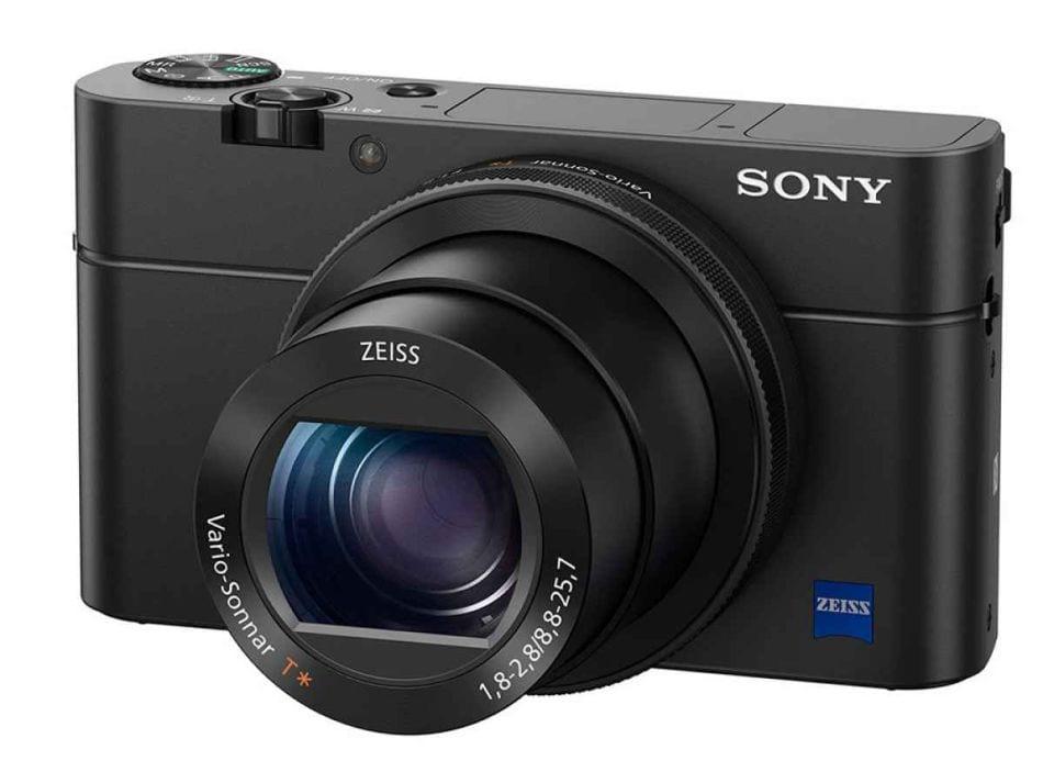 Die RX100 IV nimmt nun auch Videos mit 4K auf und ist insgesamt deutlich schneller geworden.